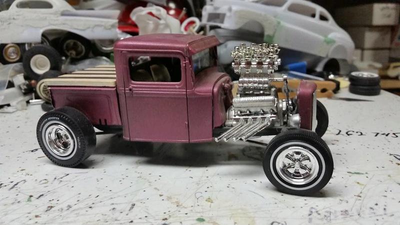 Vintage built automobile model kit survivor - Hot rod et Custom car maquettes montées anciennes - Page 8 17883810