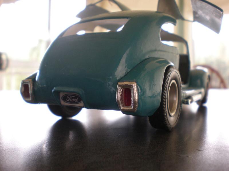 Vintage built automobile model kit survivor - Hot rod et Custom car maquettes montées anciennes - Page 9 18319110