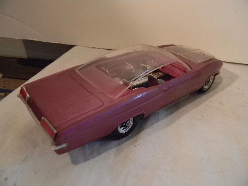 Vintage built automobile model kit survivor - Hot rod et Custom car maquettes montées anciennes - Page 9 227