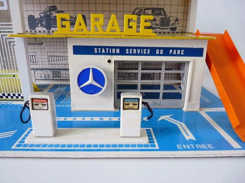 Garages jouets - Toys garage - Page 3 2314