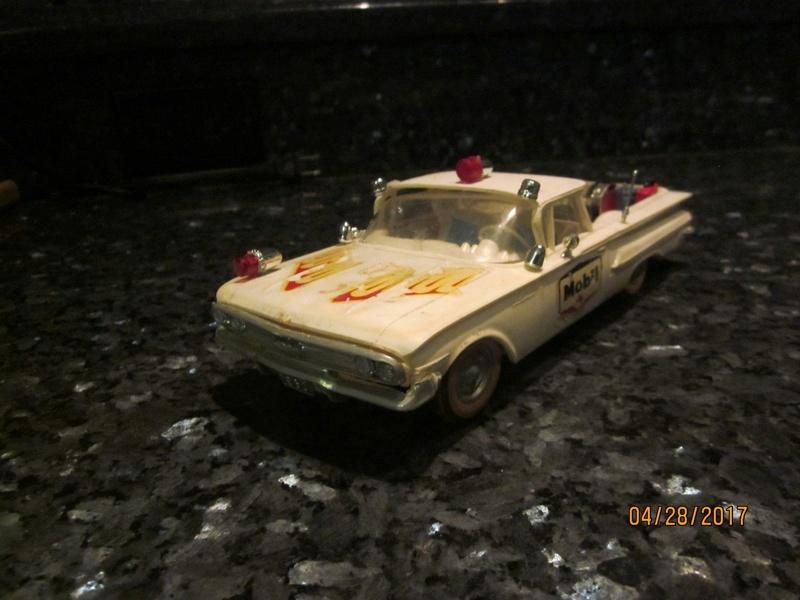 Vintage built automobile model kit survivor - Hot rod et Custom car maquettes montées anciennes - Page 9 2813