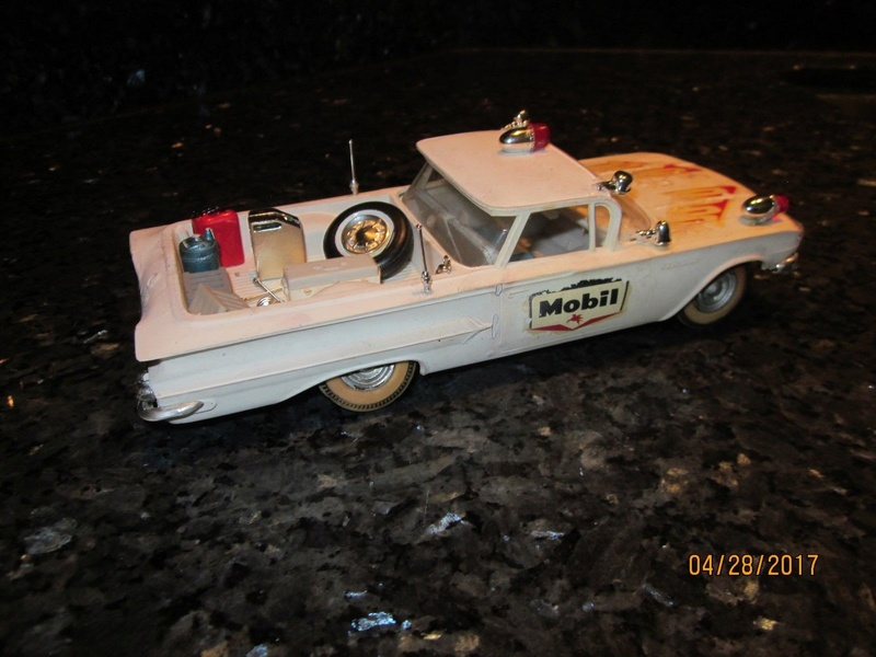 Vintage built automobile model kit survivor - Hot rod et Custom car maquettes montées anciennes - Page 9 3213