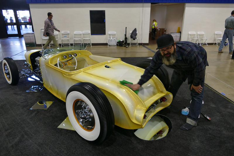 Fool's Goldster -Taylor Made - 1927 Dodge Roadster 32564711