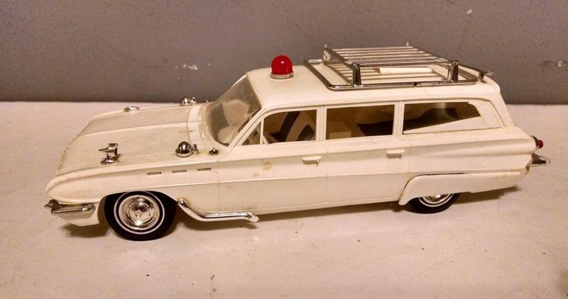 Vintage built automobile model kit survivor - Hot rod et Custom car maquettes montées anciennes - Page 9 4710