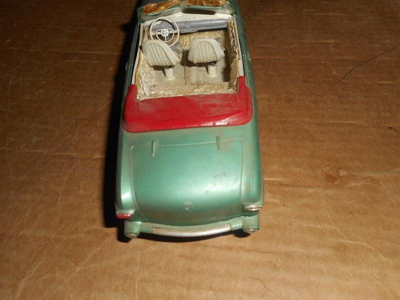 Vintage built automobile model kit survivor - Hot rod et Custom car maquettes montées anciennes - Page 9 923