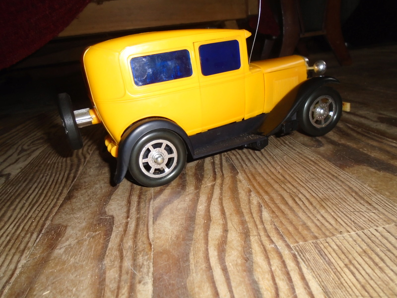 Chicago Stock car - RC Ford A hot rod (radiocammendés ford 1930 plastique 1/18) Dsc06715