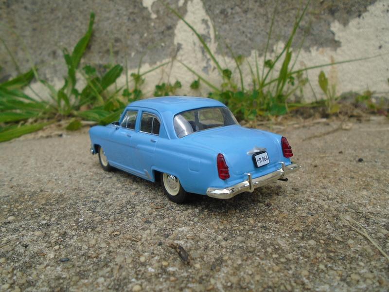 Voitures Russes 1/43 - IXO - Russian cars Dsc07310