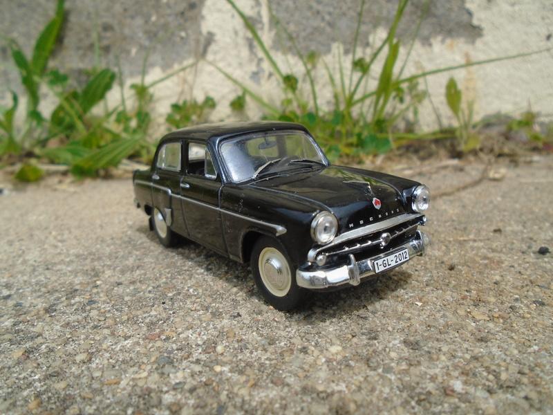 Voitures Russes 1/43 - IXO - Russian cars Dsc07314