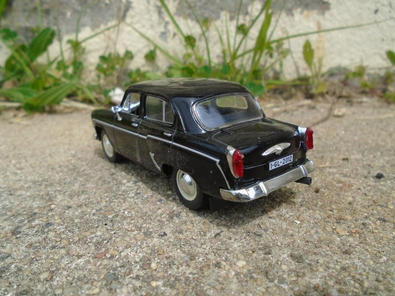 Voitures Russes 1/43 - IXO - Russian cars Dsc07315