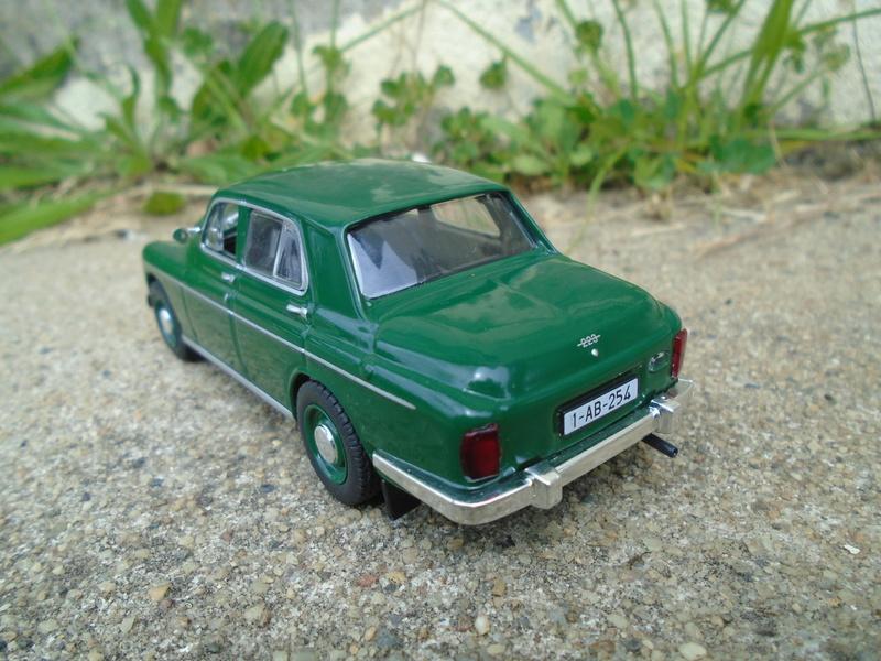 Voitures Russes 1/43 - IXO - Russian cars Dsc07320