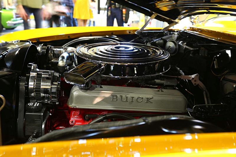 1966 Buick Riviera GS - Hot Rods & Custom Stuff Hot-ro12