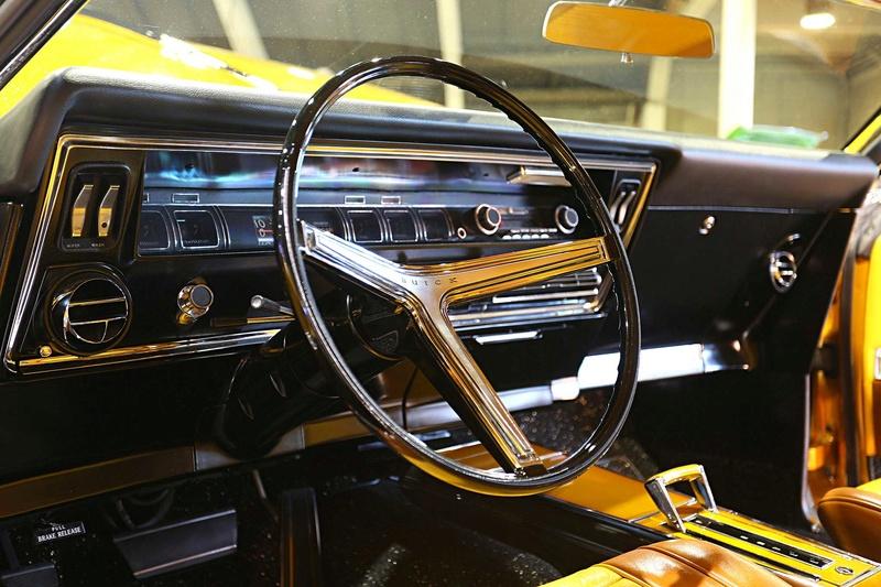 1966 Buick Riviera GS - Hot Rods & Custom Stuff Hot-ro19