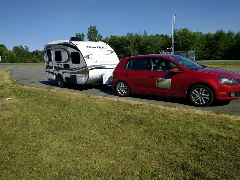 VW Golf avec des ballons dans la suspension (coil spring) Img_2013