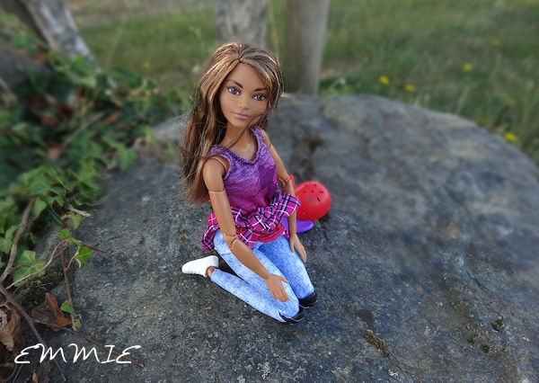 Barbie Made to Move Skateboarder  1224