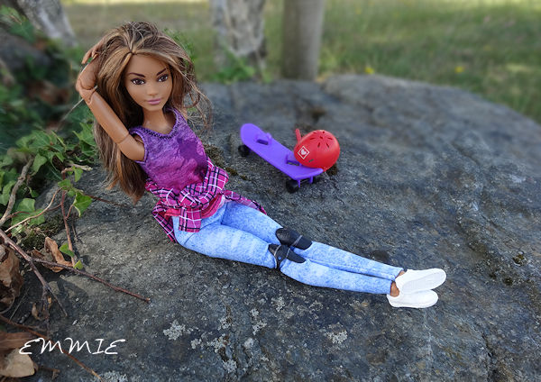 Barbie Made to Move Skateboarder  1618
