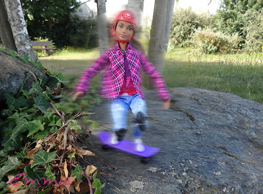 Barbie Made to Move Skateboarder  3104