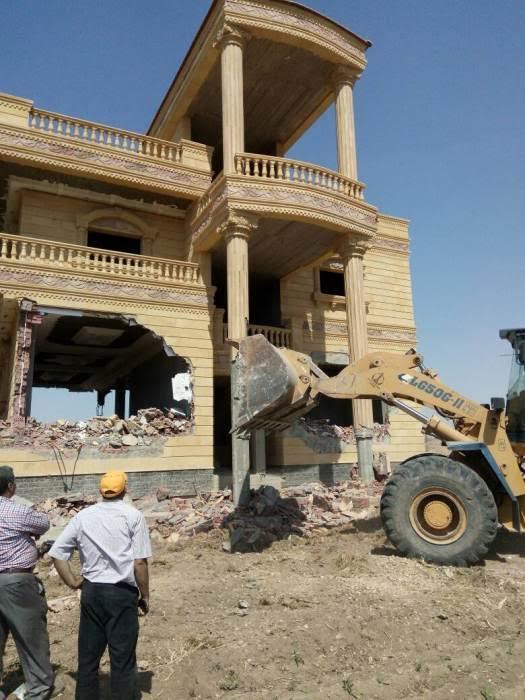 إزالة قصر أكبر تاجر مخدرات مقام على 10 أفدنة بمحافظة الشرقية 67548-10