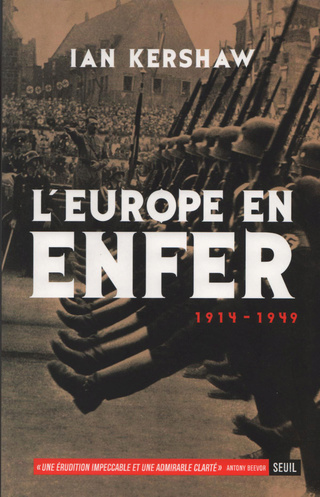 Une vie de statue (Paris, place de la République) Europe11