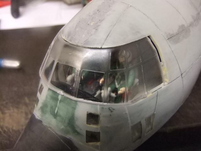 2 x C-130 HERCULE au 1/48ieme ! - Page 3 Dscf7021