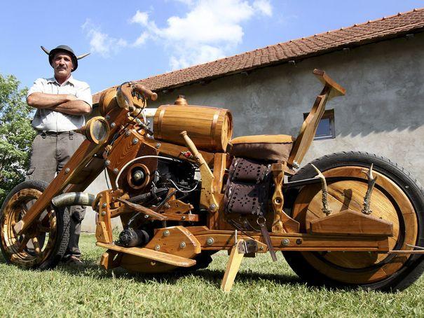 Motos , bizarres , excentriques ou barrées... Hungar10