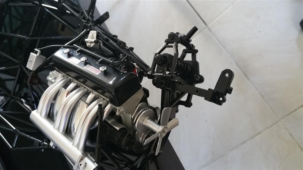 Maquette de 300SL au 1/8... 2017-141