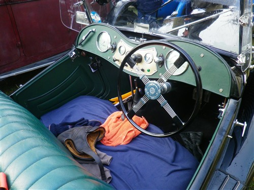 Le RAMBOLITRAIN, c'est aussi des automobiles... Fyvr1771