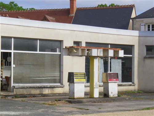 Les Stations-Service & les Garages Lch17_64
