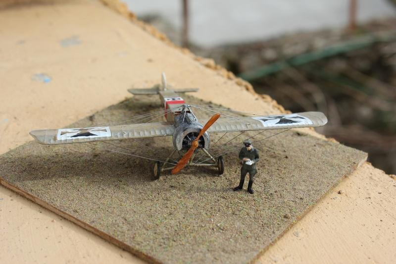 [revell] Fokker E III  au 1/72 Img_9013