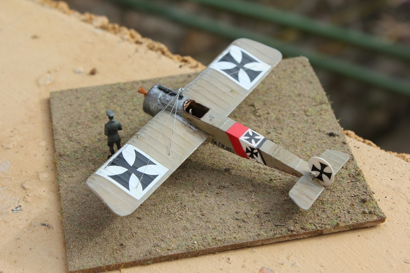 [revell] Fokker E III  au 1/72 Img_9018