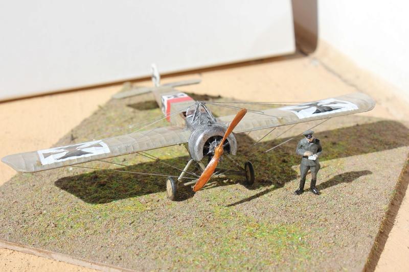 [revell] Fokker E III  au 1/72 Img_9033