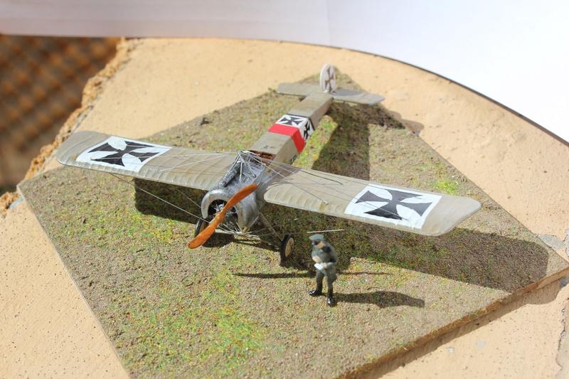 [revell] Fokker E III  au 1/72 Img_9037