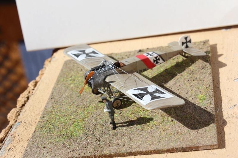 [revell] Fokker E III  au 1/72 Img_9038