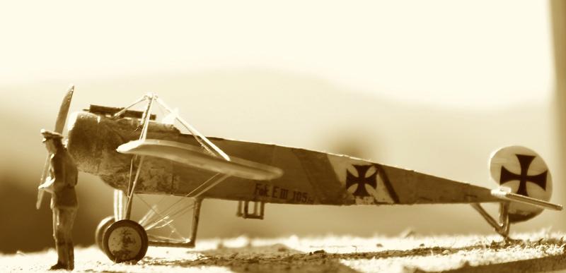 [revell] Fokker E III  au 1/72 Img_9039