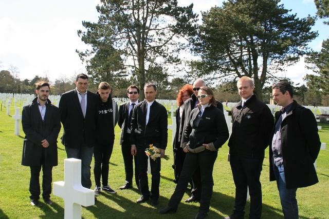 cimetière américain  colleville sur mer fleurissement des tombes  Img_4129
