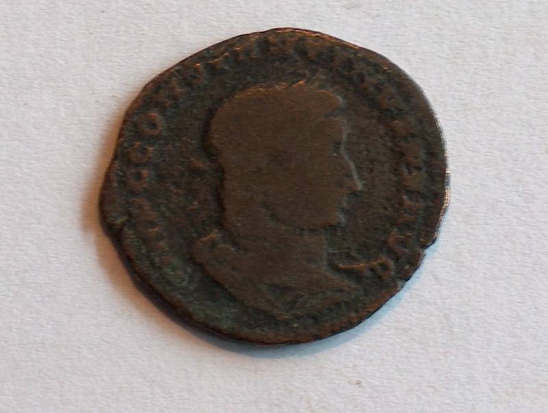 Identification romaine 11 Follis réduit de Constantin I  1110