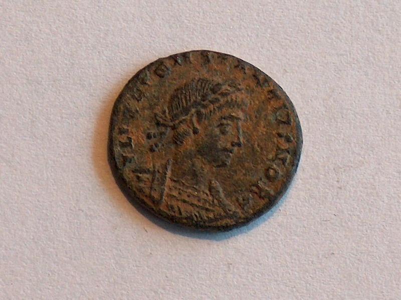 Identification romaine 19 Constance II FL IVL CONSTANTIVS NO 1910