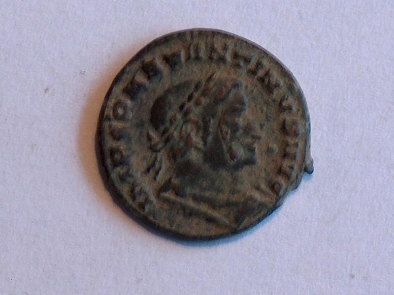Identification romaine 21Constantin Ier IMP CONSTANTINVS AVG 2110