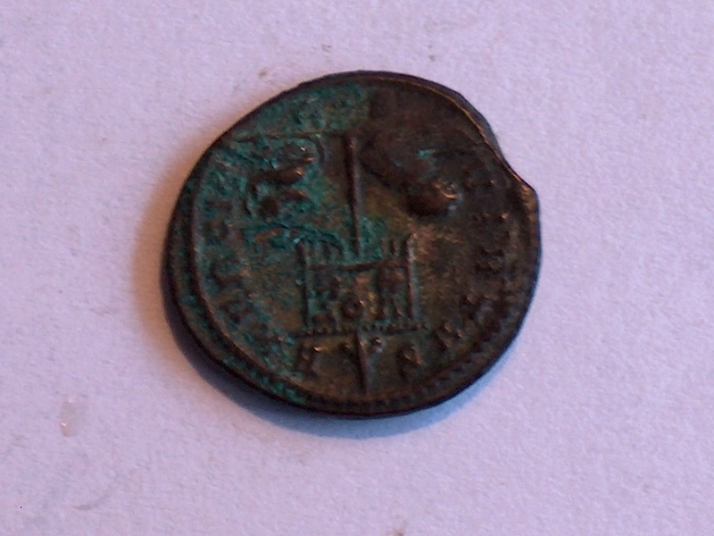 Identification romaine 26 Constantin Ier CONSTANTINUS AUG  V 26f10