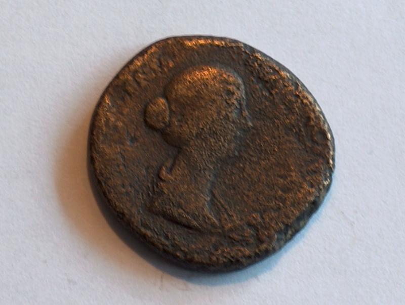 Identification romaine 2 Sesterce de Faustine II  Hpim0329