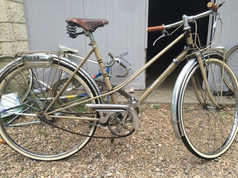 vélo peugeot dame 1952 rétropédallage et moyeu à vitesses torpédo Img_2310