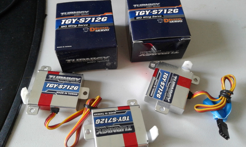 [VENDS] servos turnigy TGY-S712g 20170610