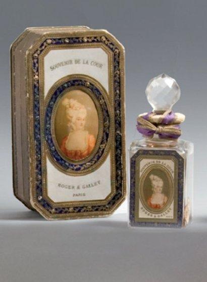 Exquisite 1920's Roger et Gallet Perfume Presentation Box, Marie Antoinette Portrait 32710