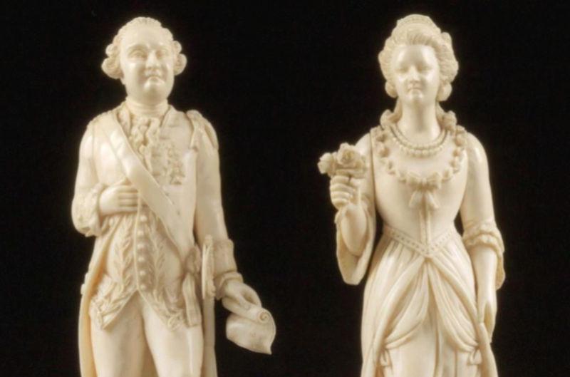 A vendre: Louis XVI et Marie Antoinette - Page 4 Zzclau16