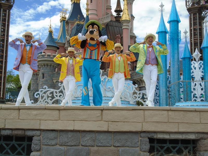 Vos photos avec les Personnages Disney - Page 2 Dsc00214