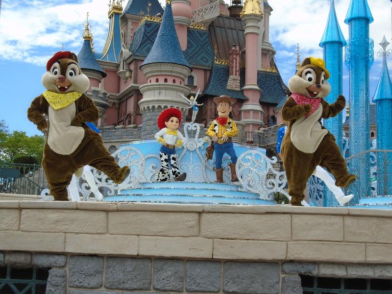 Vos photos avec les Personnages Disney - Page 2 Dsc00215