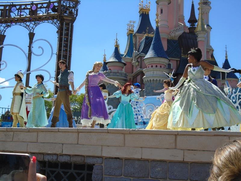 Vos photos avec les Personnages Disney - Page 2 Dsc00410