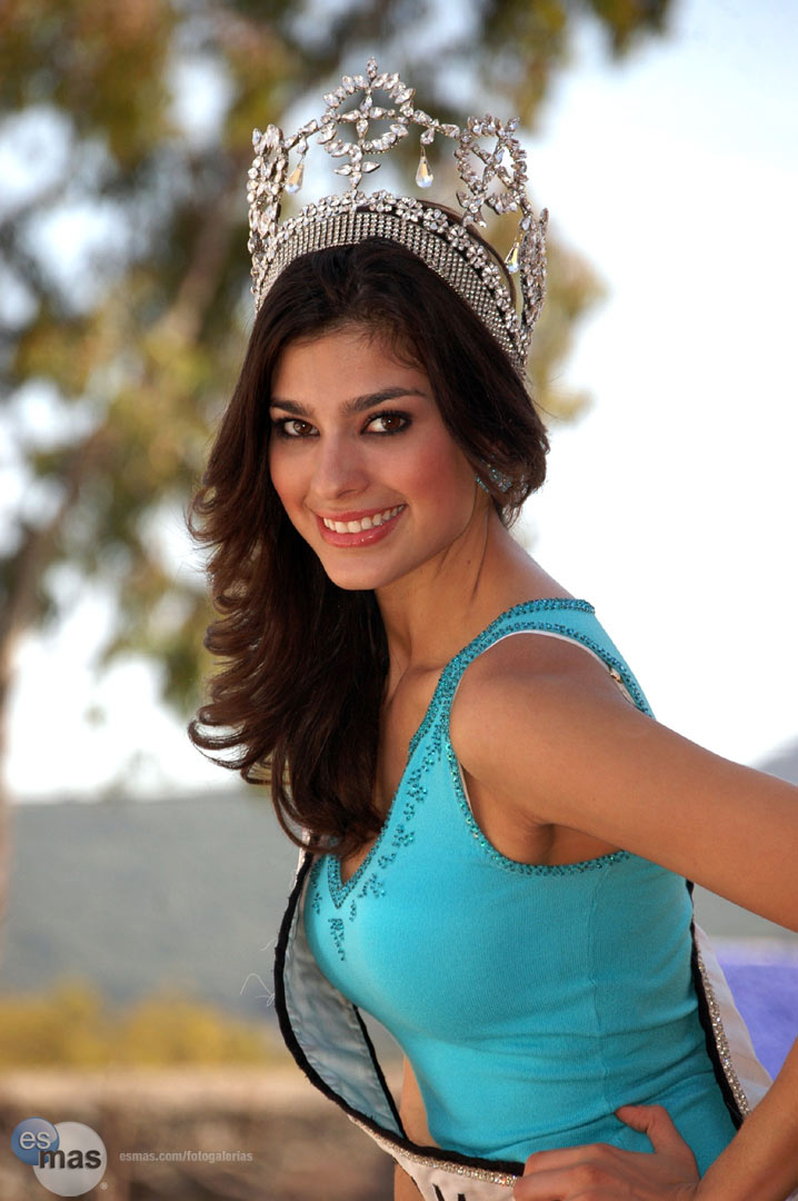 anagabriela espinoza, miss international 2009. - Página 2 20082116