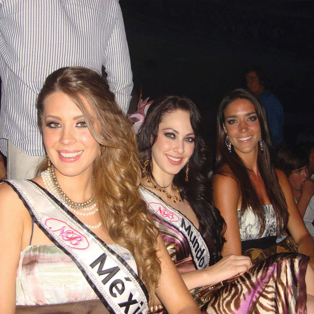 perla beltran, 1st runner-up de miss world 2009. - Página 4 20091714