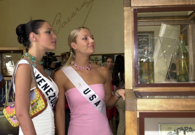 eva ekvall, 3rd runner-up de miss universe 2001. † - Página 4 20749010