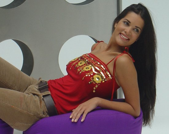 monica spear, top 5 de miss universe 2005. † - Página 5 550ful10